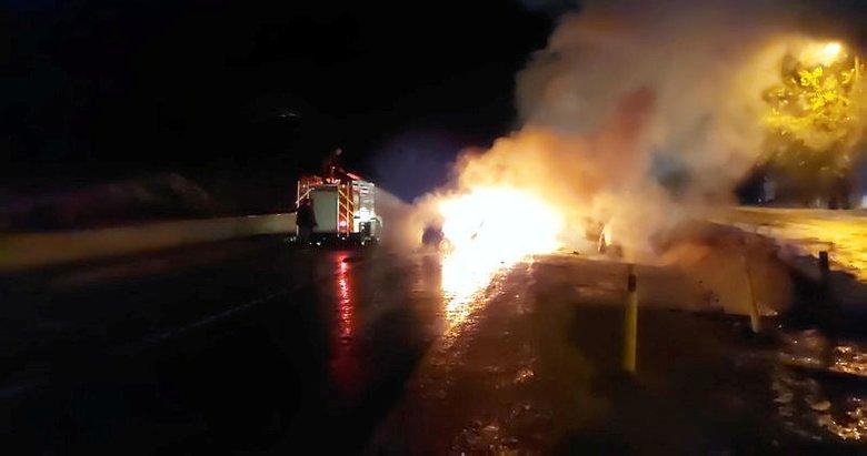 Bir aracın yandığı kazada iki genç feci şekilde öldü