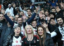 Beşiktaşlı taraftardan büyük destek