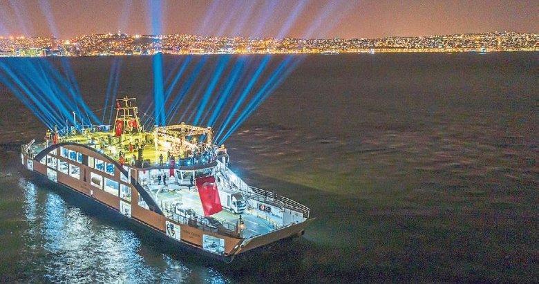 Haluk Levent'ten İzmir Körfezi'nde 100. yıl konseri