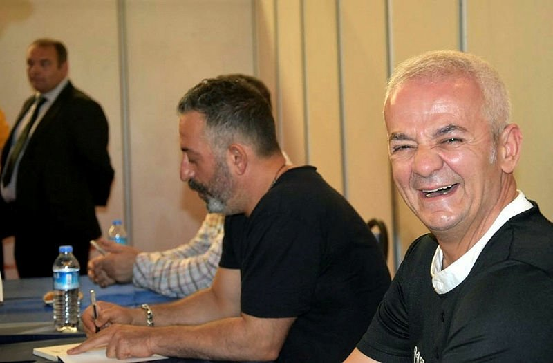 Cem Yılmaz İzmirde sevenleriyle buluştu!