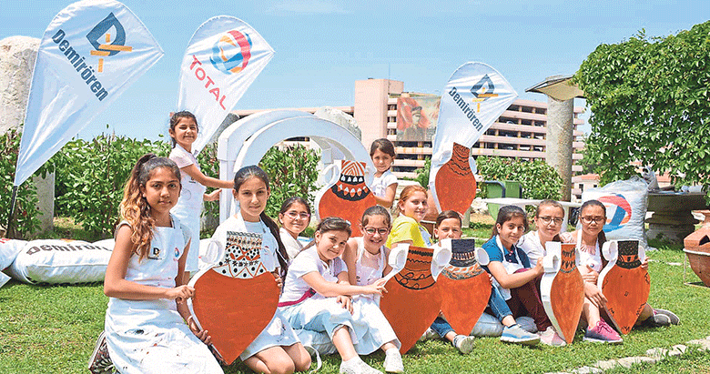 Total Oil, çocuklara tarihi yerinde öğretip sevdiriyor