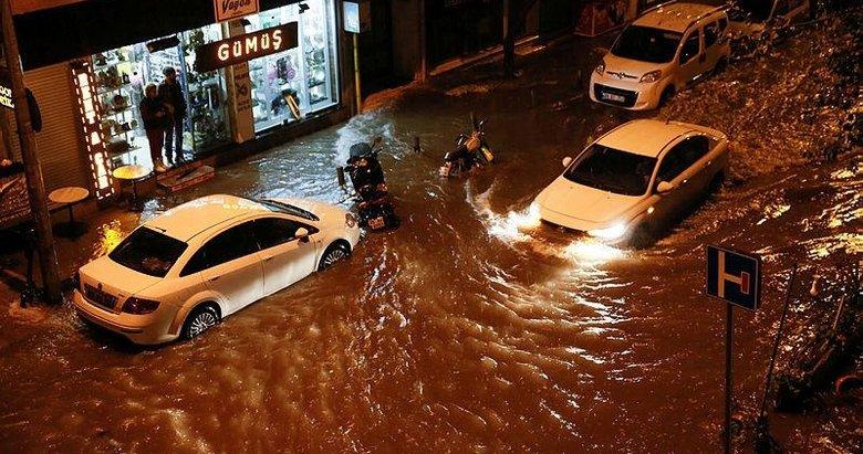 İzmir'de sağanak kabusu! Her yağmurda bildik manzaralar