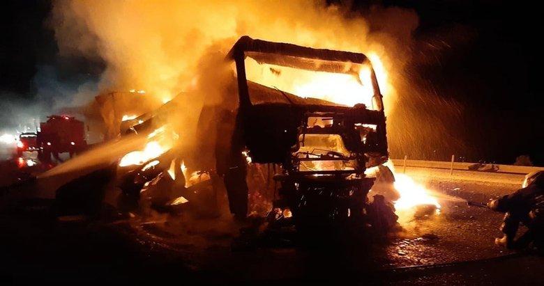 Muğla'da seyir halindeki TIR, alev alev yandı