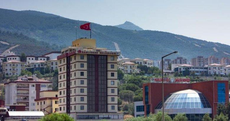 İzmir'de Narlıdere Belediye Başkan Yardımcısının müteahhidi darbettiği iddia edildi