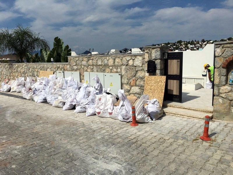 Kaçak villanın yıkımında 6'ncı gün! Yılmaz Özdil'in yapısı parça parça sökülüyor