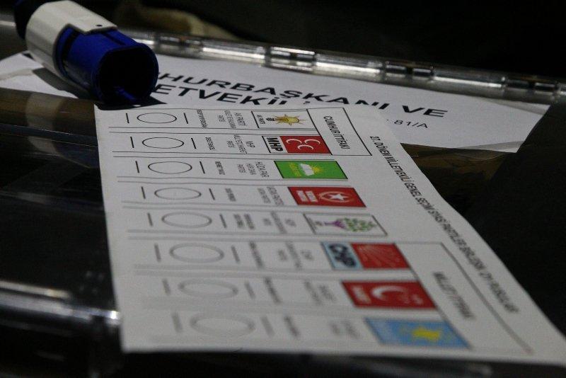 Gümrük ve sınır kapılarında oy verme işlemi başladı