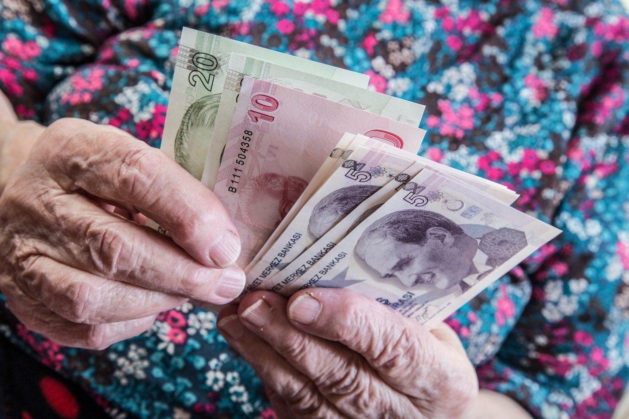 Emeklilerin 'zam' hesabı
