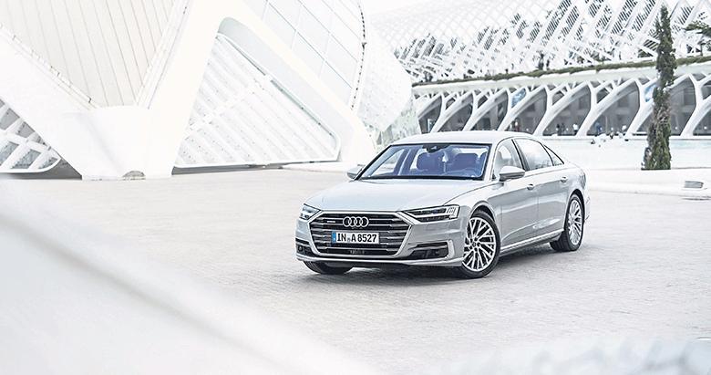 Yılın lüks otomobili Yeni Audi A8 oldu