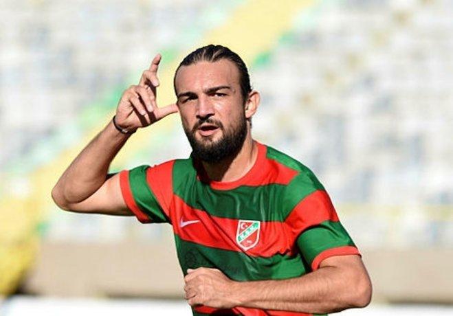 Alacağı ödenmediği için serbest kalma hakkı kazanıp antrenmanlara çıkmayan takımın en golcü ismi Can Erdem, arkadaşlarına veda etti, Karşıyaka'dan ayrıldığını açıkladı.