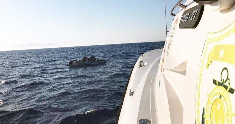 Mahsur kalan göçmenlerin imdadına Sahil Güvenlik yetişti