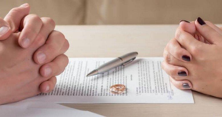 Eşinin maaşına el koymak boşanma sebebi