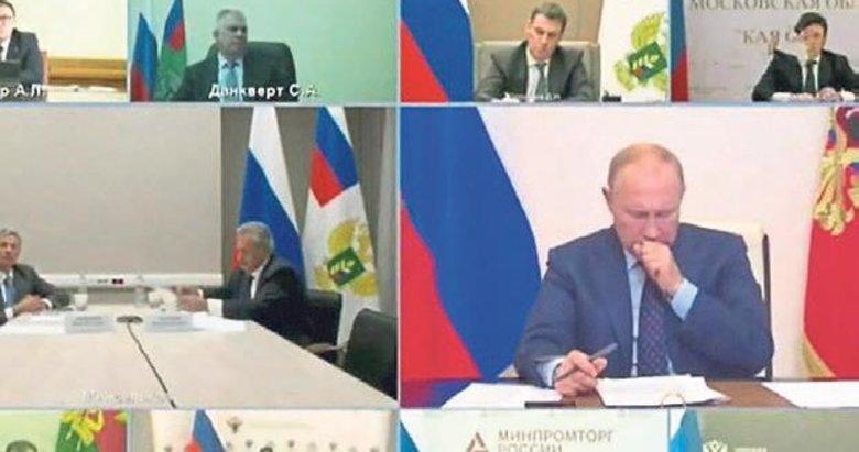 Putin'in yayında öksürmesi Rusya'da endişe yarattı