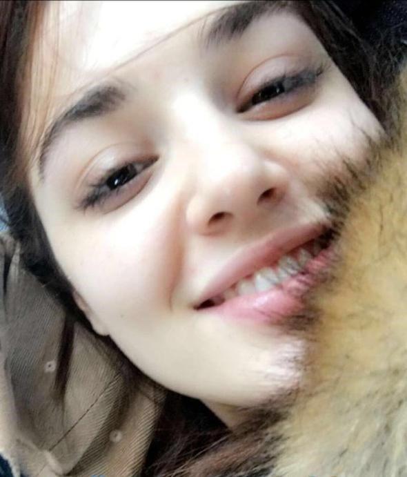 Azize'nin yıldızı Hande Erçel makyajsız fotoğraflarıyla gündem oldu