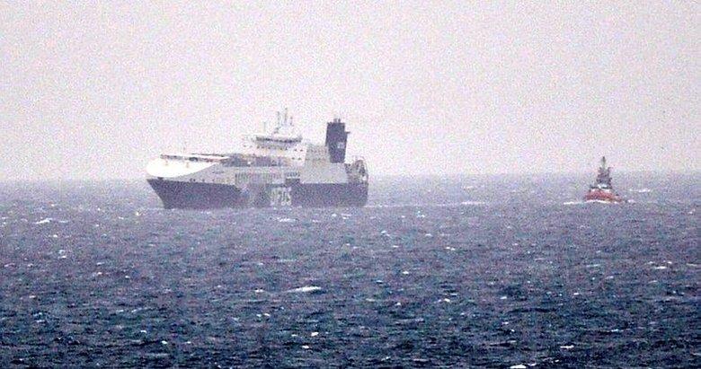 Çanakkale Boğazı'ndan geçen gemide yangın çıktı