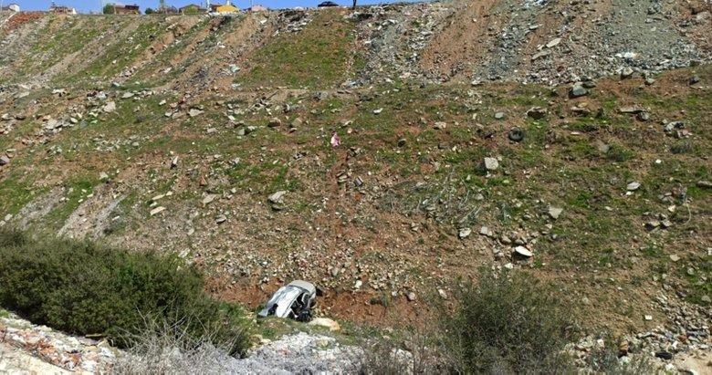 Uşak'ta 50 metrelik uçuruma düşen otomobildeki çift ölümden döndü