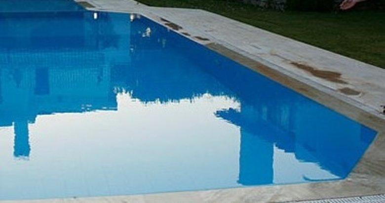 İzmir'de feci ölüm! Mimar yüzmek için geldiği havuzda...