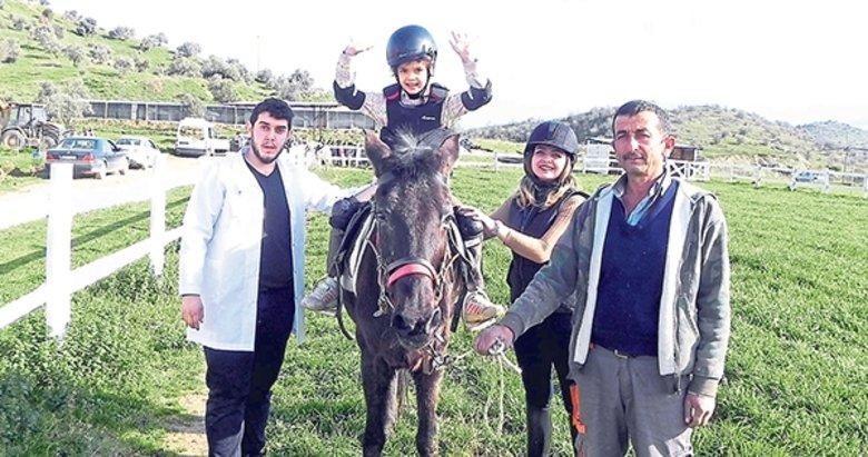 Özel çocuklar için at ve doğa terapisi