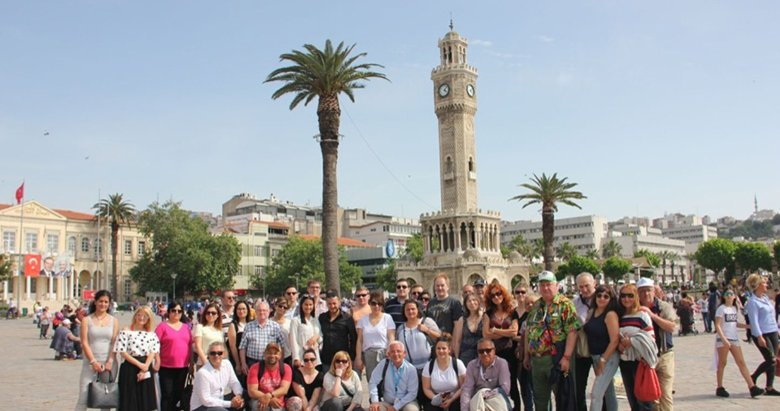 İzmiri en çok onlar ziyaret ediyor