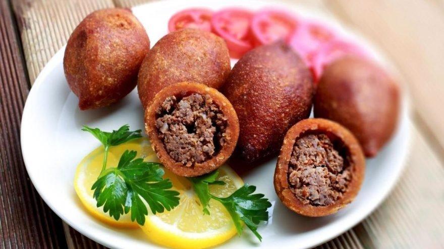 Lezzeti ile ünlü içli köfte nasıl yapılır?