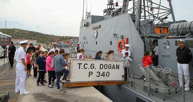 Deniz Zaferi'nin yıl dönümünde savaş gemileri ziyarete açıldı