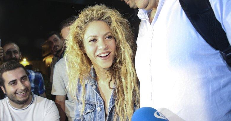 Gazetecilerden Shakira'ya baklava ikramı