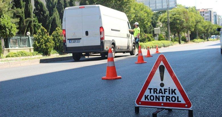 İzmir'de sokağa çıkma kısıtlamasına uymayan 863 kişiye ceza ...