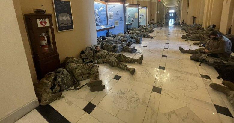 ABD'de Ulusal Muhafızlar, Kongre binasında yatarken görüntülendi