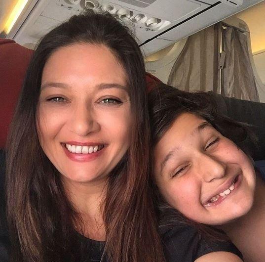 Doğduğun Ev Kaderindir dizisinin Faruk'u Engin Hepileri eşi ve çocuğuyla sosyal medyayı salladı
