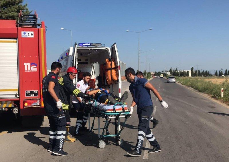 Manisa Şehzadeler'de trafik kazası: 16 yaralı