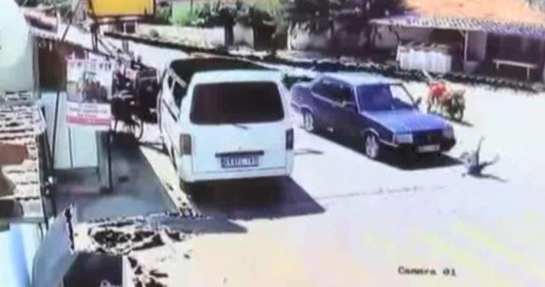 Bir anda yola fırlayan çocuğa araç çarptı! Dehşet anları saniye saniye kamerada