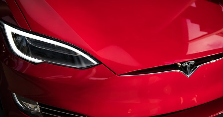 Teslaya kusurlu otomobil davası!