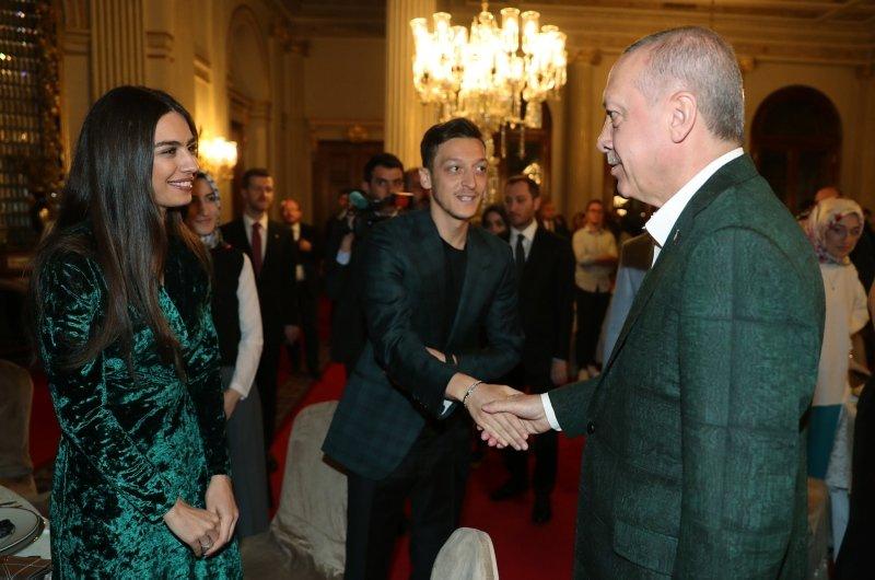 Başkan Erdoğan iftarda gençlerle buluştu