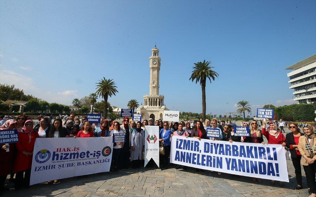 Diyarbakır annelerine kadın desteği! 'Annelerin iradesi terörü durduracak'