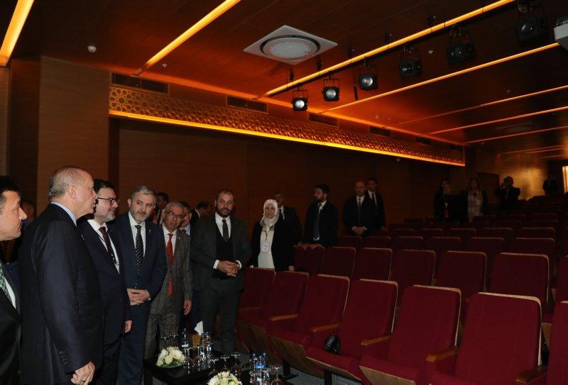 İzmir'deki Bilal Saygılı Camii ve Külliyesi Başkan Erdoğan'ın katılımı ile açıldı! Bilal Saygılı Camii'nin özellikleri neler?