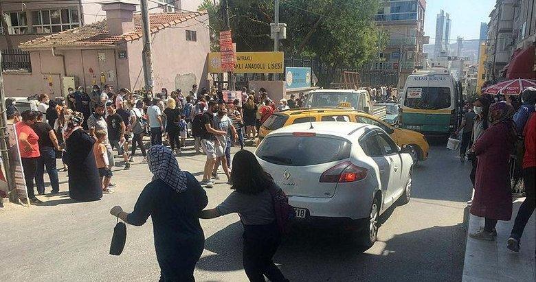 Bayraklı'da öğrenci velilerinden trafik tepkisi