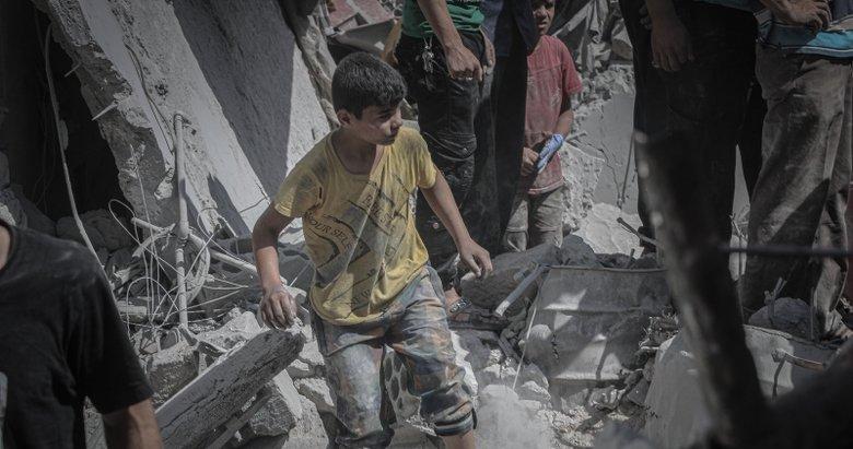 Esad sivilleri yine bombaladı