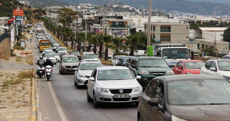 Bodrum'a gelenler 5 kilometrelik yolu 45 dakikada geçti