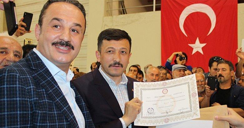 Başbakan Binali Yıldırımın mazbatasını Hamza Dağ aldı