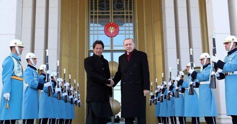 Başkan Erdoğan ile İmran Han'dan İdlib görüşmesi