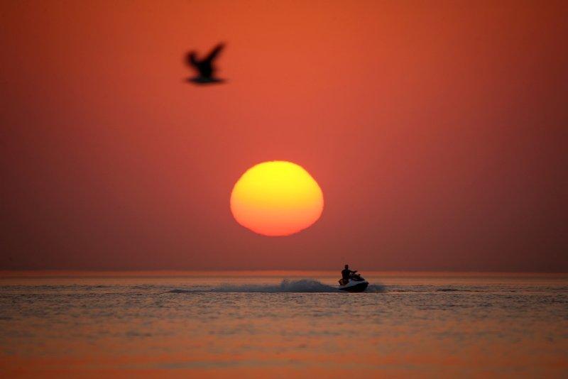 Van Gölü'nde gün batımı