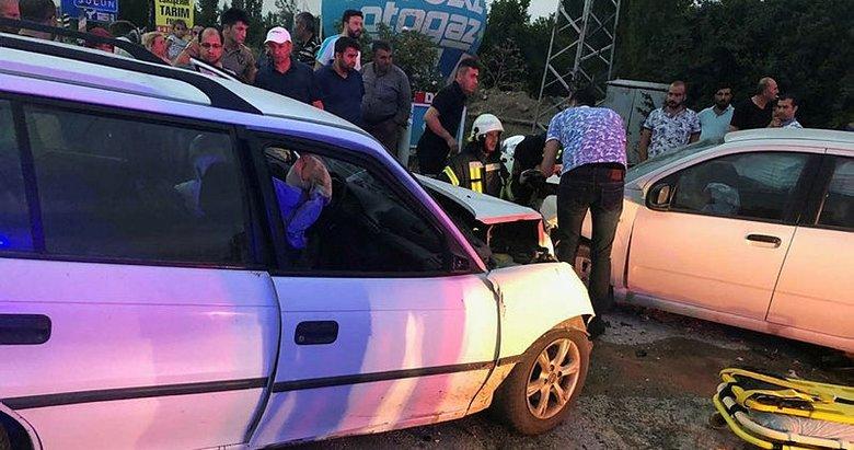 Afyonkarahisar'da trafik kazası! 6 kişi yaralandı