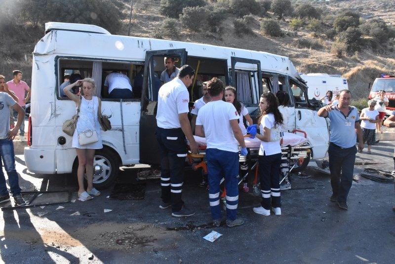 Bodrumda trafik kazası: 16 yaralı