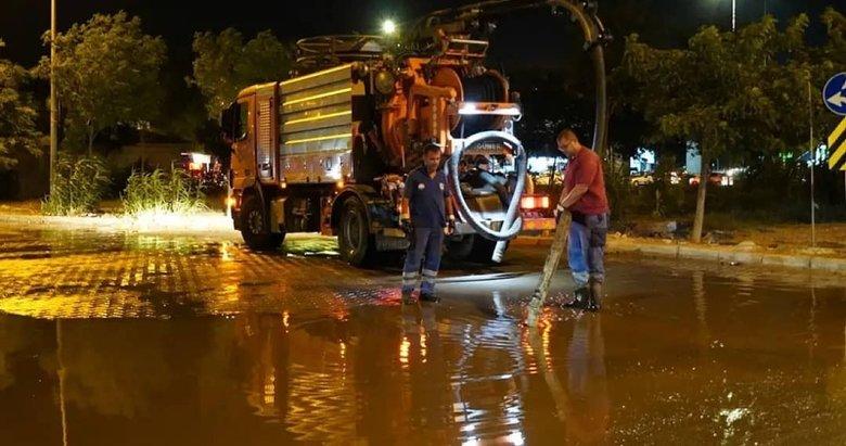 Turizm gözde merkezi Çeşme'de kanalizasyon taştı