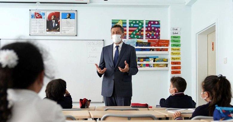 Milli Eğitim Bakanı Ziya Selçuk duyurdu: Sınıf tekrarı yapabilirler