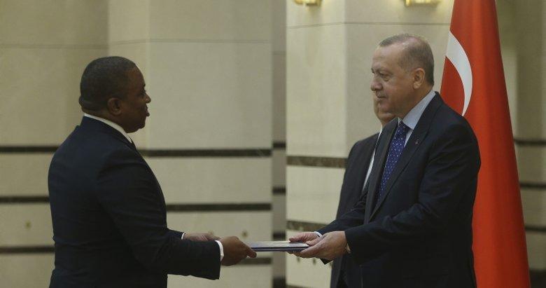 Akredite büyükelçilerden Başkan Erdoğan'a güven mektubu