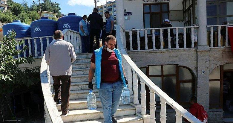 Depremden etkilenince sel bölgesinde gönüllü oldu! İzmir'den Bozkurt'a yardım eli