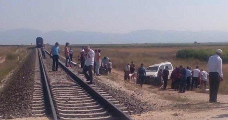 Afyonkarahisar'da hemzemin geçitte feci kaza! 1 kişi hayatını kaybetti