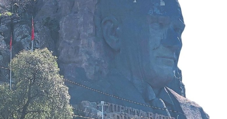 Atatürk Maskı bakım bekliyor