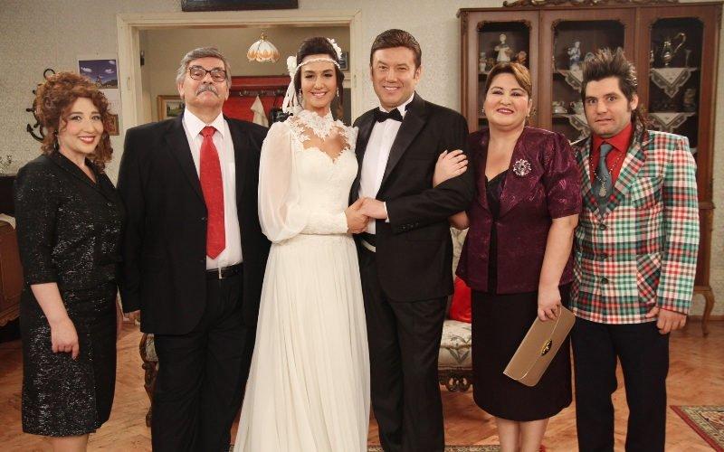Seksenler dizisinin Gülden'i Ayşe Tolga ve Ahmet'i Şoray Uzun arasındaki gerçek şok etti