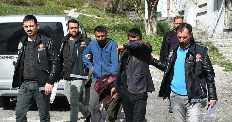 Kütahya'da yakalanan uyuşturucu satıcıları tutuklandı